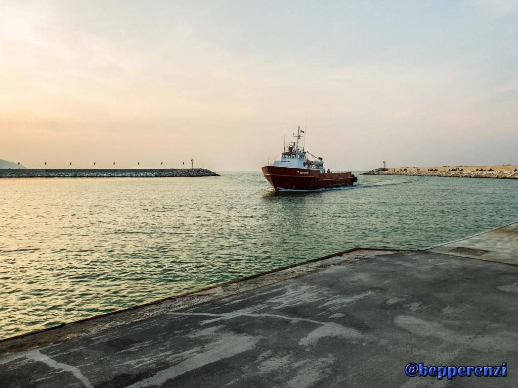 Nave al porto di Pesaro