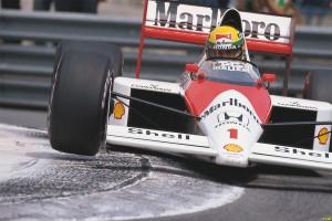 Ayrton Senna in curva